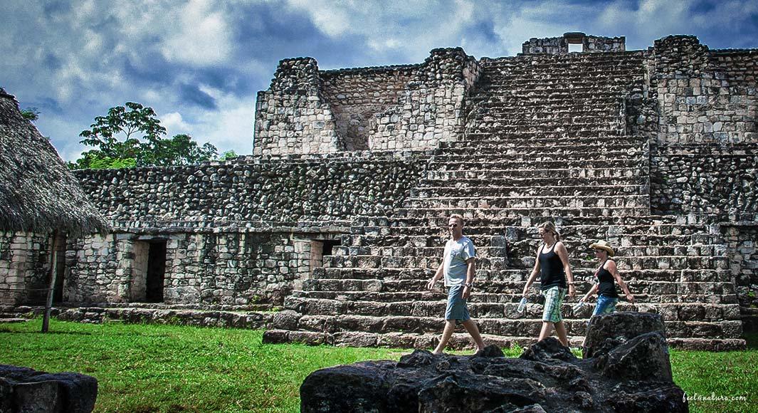 Stefan Ullrich Maya Ruinen