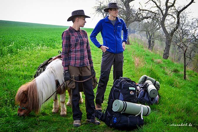 Planung einer Wanderung mit Pferd und Hund