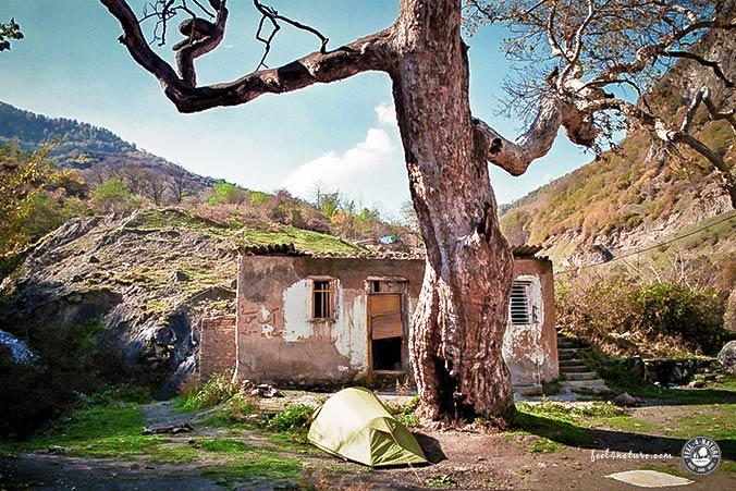 Zwei auf Weltwegen - Zelten im Iran