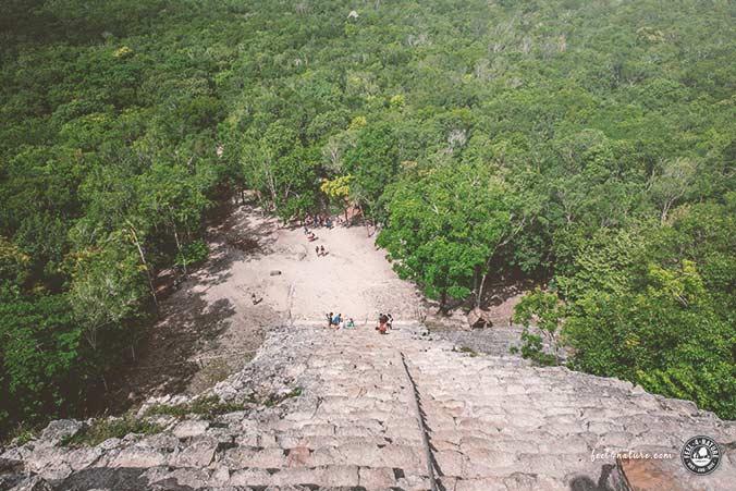 Maya Tempel Coba Aufstieg